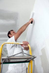 What are the Benefits of Using a Rolling Ladder?